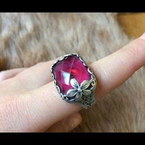 Raspberry coattail ring